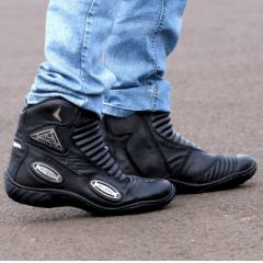 Bota Motociclista Couro Proteção Cano Curto Preta